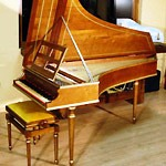 Standard version with light mahogany wood - Price (VAT not included) 6.350 €